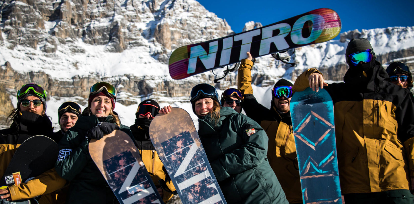 WE LOVE PROFESSIONAL SNOWBOARDING